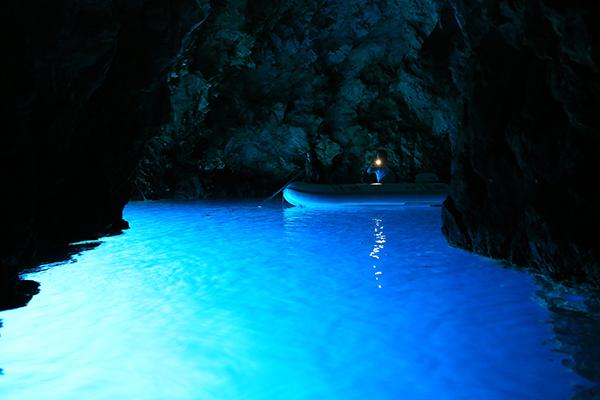 Croatie grotte Bleue skippers.ch