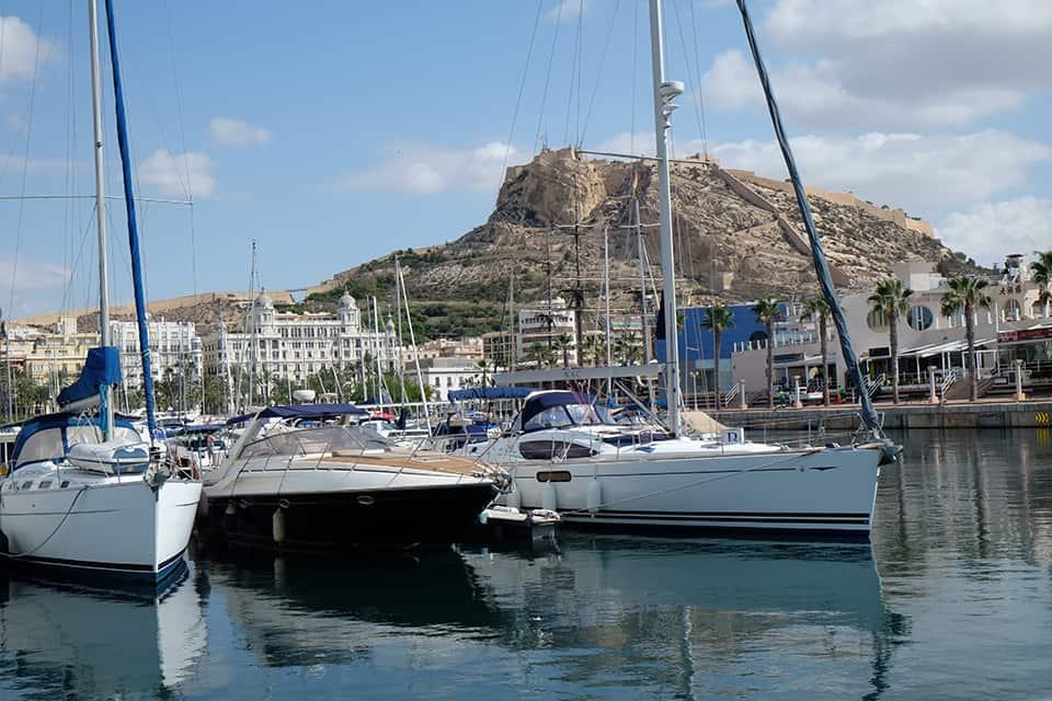 D'Alicante à Ibiza en monocoque, Splendides Baléares