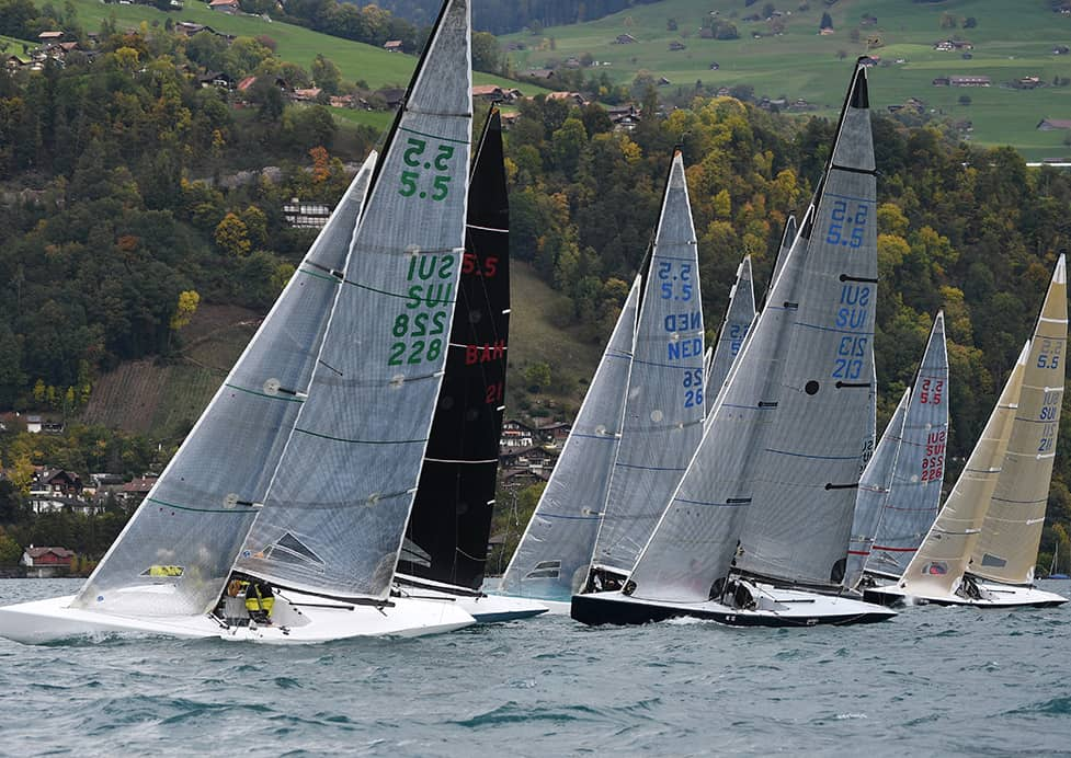 5.5er, Drachen und Starboote am Herbstpreis Thunersee