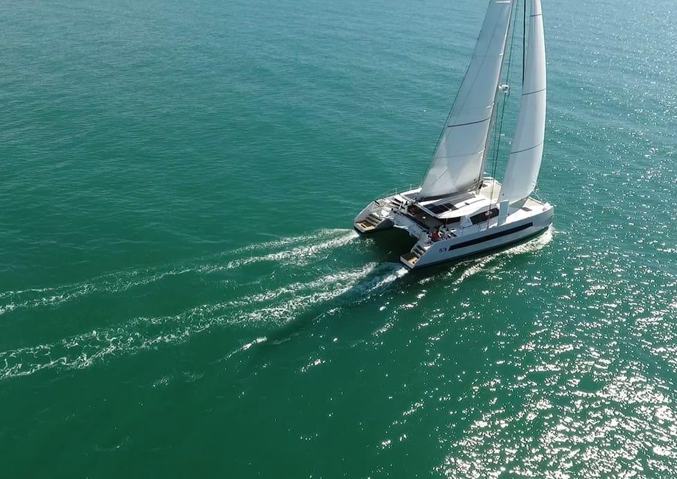 Catana 53 : le plaisir de naviguer à la vitesse du vent