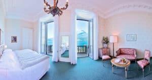 room_deluxe_1
