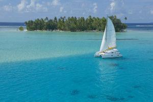 Navigation-dans-les-eaux-paradisiaque